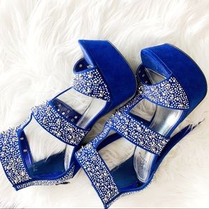 Blue platform heels